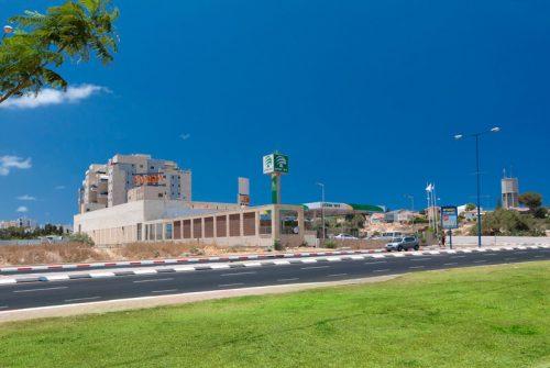 מרכז מסחרי ויקטורי2